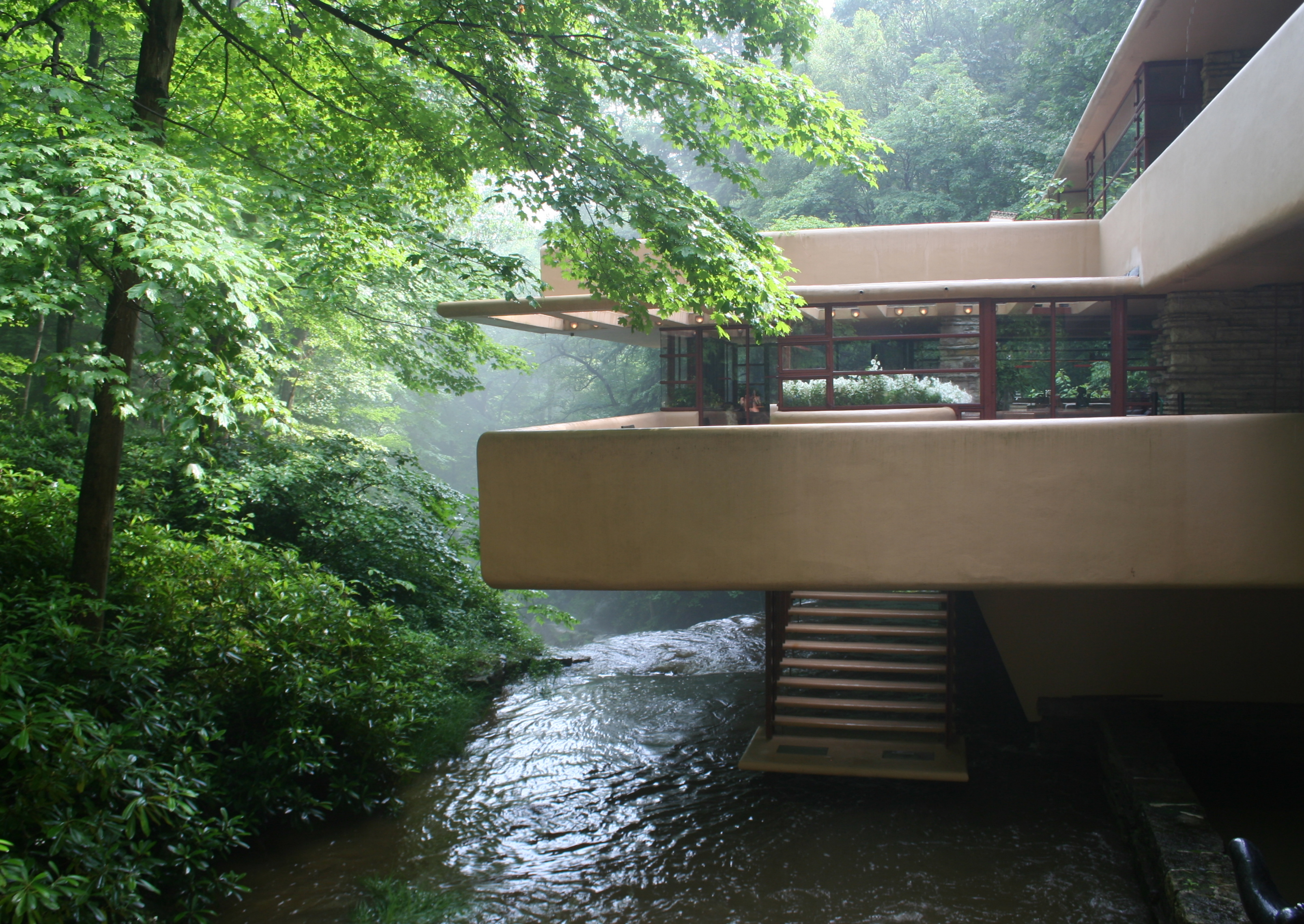 Falling waters frank lloyd wright and lloyd wright on for Wright architecte